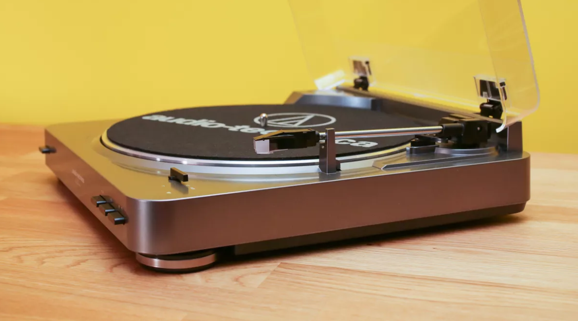 Direct-Drive VS Belt-Driven Turntable