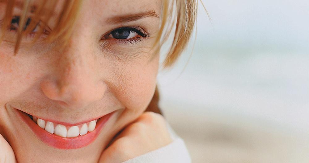 Benefits of Undergoing Professional Teeth Whitening Procedures in Edmonton