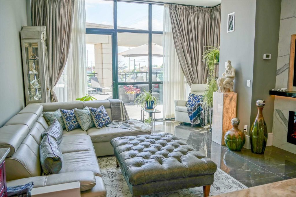 condo for sale in Vaughan